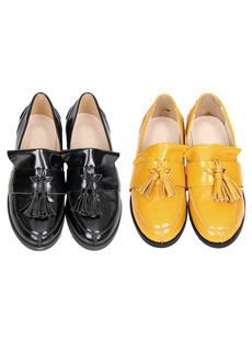 Tassel loafer (s)